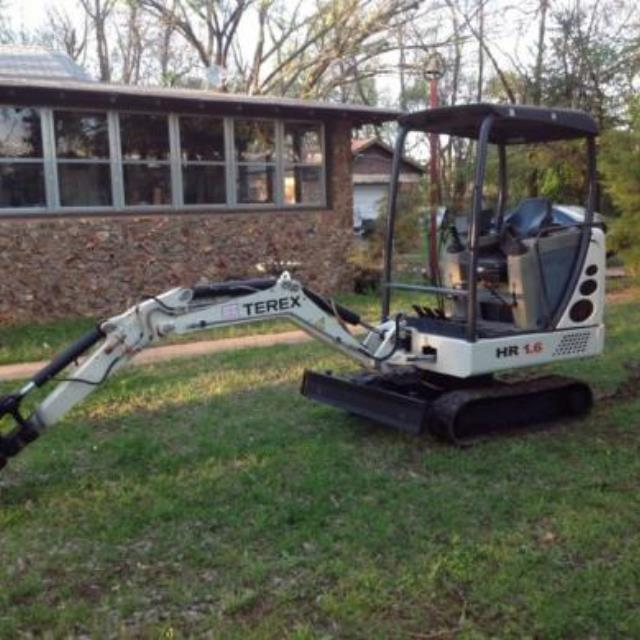 Where to find MINI-EXCAVATOR 3500 LB CLASS in Boone